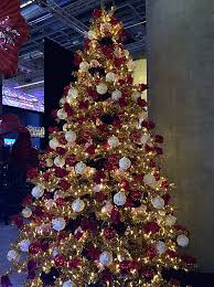 Gold Xmas Tree With Ww Lights 740 Warm White