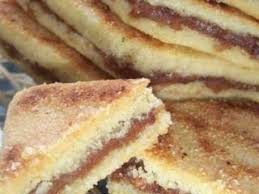 comment faire de la pate de datte brages petits gâteaux de semoule à la pâte de datte recette