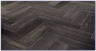 ceramic tile flooring looks like wood tiles home design ideas