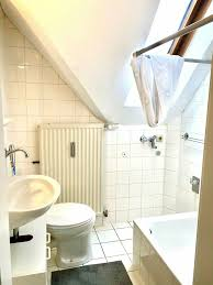 wg zimmer in dachgeschosswohnung eigenes bad