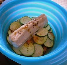 cuisiner la roussette roussette en papillotte et ses petits légumes au curry un