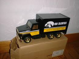 100 Hawkeye Truck Equipment University Of IOWA S Sports Van 125 Ertl