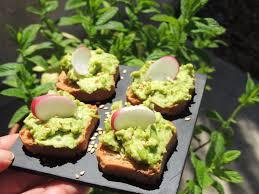 cuisiner petits pois frais midi cuisine petits pois frais à la menthe et au wasabi façon houmous