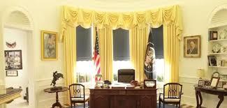 le de bureau blanche fan de la maison blanche il s est construit le bureau d obama grazia