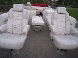Crest Pontoon Captains Chair by Crest Xrs Iii 2570 2009 For Sale For 2 000 Boats From Usa Com