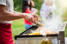 barbecue a la plancha barbecue vs plancha comment choisir sur orange tendances cuisine