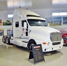 File:Kenworth T2000, Kenworth Dealer Hall Of Fame, 2015.JPG ...