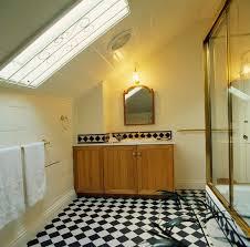 badezimmer im dachgeschoss mit bild kaufen 717958