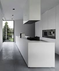 hotte de cuisine centrale cuisine blanche minimaliste hotte centrale white minimalist