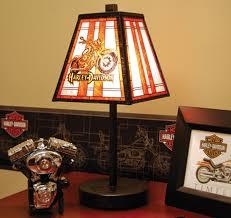 Harley DavidsonR Art Glass Motorcycle Table Lamp HDD HD 462
