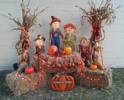Halloween Porch Decorations Pinterest by Best 25 Outside Fall Decorations Ideas Only On Pinterest Autumn