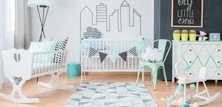 chambre bebe les 8 indispensables pour la chambre de bébé