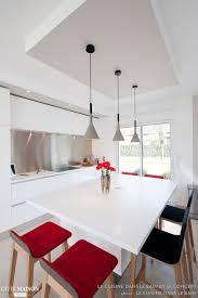 cuisine blanche design une cuisine design italien total look blanc avec îlot central à