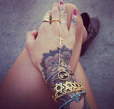 Hand Tattoos For Women55