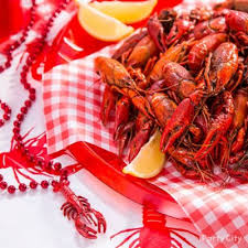 Crawfish Boil Table Decorations by Crawfish Centerpiece Idea Cajun Crawfish Boil Ideas Mardi Gras