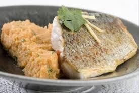 cuisine bar poisson recette de pavé de bar juste saisi purée de patates douces au