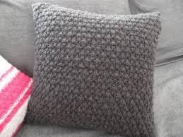 housse coussin de canapé des housses de coussin design pour mon canapé merci mamie