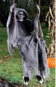Scary Halloween Props For Haunted House by 96 Best Halloween Decorations Images On Pinterest