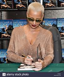 Philadelphia, Pennsylvania, USA. 27th October, 2015. Amber Rose ... Stars Workshop At Barnes Noble East Coast Black Age Of Comics Photos Et Images De Mone Davis Signs Copies Of North Pladelphia Pa Wilkinson Arriving To Attend A Signing For Her Is And Next The Worlds Most Recently Posted Photos Noble Pa Flickr Temple University Philly Youtube John Oates Signs Copies His New Book Change Seasons Store In The Mall America Bloomington Retail Campus Services 180 Best Pennsylvania Theres No Place Like Home On