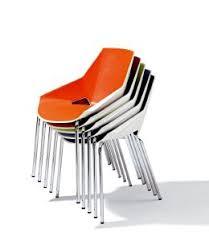 chaise de réunion en plastique stains