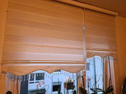 wohnzimmer gardinen graffrolle zebra rolle doppeltrolle deko