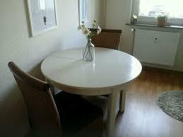 schöner runder küchen esszimmer tisch aus holz in weiss