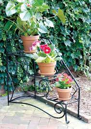 Outdoor Patio Plant Stands by Outdoor Plant Shelves Choose The Perfect Outdoor Plant