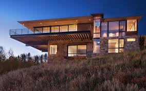 100 Cantilever Home House