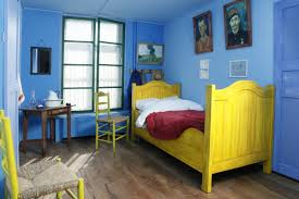 gogh la chambre dormir dans la chambre de vincent route gogh europe