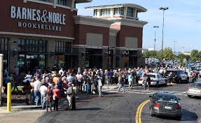 Ben Carson draws hundreds to Barnes and Noble in Chattanooga