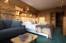 chambre 4 personnes location chambre familiale 4 personnes à val thorens ski planet
