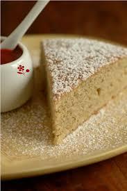 dessert a base de compote de pommes gâteau moelleux compote pomme fenouil epices coulis fraise goji
