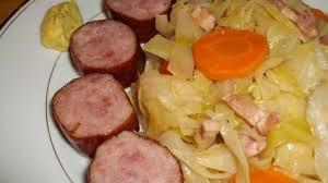cuisiner des saucisses fum馥s chou blanc braisé aux lardons et saucisses fumées recette par