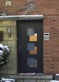 portes d entrée en pvc bois vitrage et design fenêtres