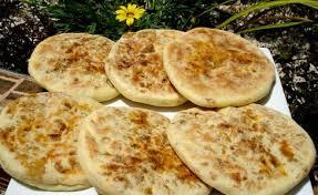 cuisine marocaine en batboute farci au viande choumicha cuisine marocaine choumicha