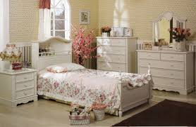 BedroomLovely Country Style Bedrooms Design With Flower Pattern Bedding And White Furniture Also Brown