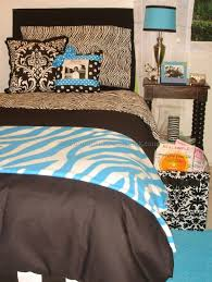 Zebra Decor For Bedroom by Zebra Print Bedroom Decor 2 Best Bedroom Furniture Sets Ideas