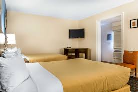 Best Price on Quality Inn & Suites Middletown Newport in