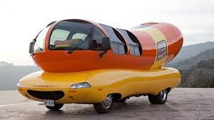Hotdogger Wanted: Oscar Mayer Searches For Next Wienermobile Driver