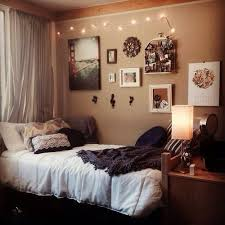 Love The Neutral Color Scheme In This Dorm Room Dormdecor College Smallspacestyle Bedroom DecorCollege