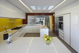 cuisine laqu馥 blanche plan de travail gris cuisine laqu馥 100 images cuisine laqu馥 blanche ikea 100