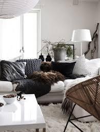 déco canapé noir décoration en noir blanc déco mydecolab