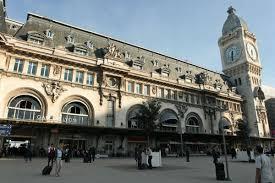 si e social lyon access to gare de lyon station and circulate in town