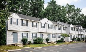 3 Bedroom Houses For Rent In Springfield Ohio by Toledo Oh Apartments For Rent Spring Hollow Apartments