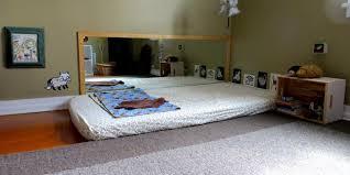 quand mettre bébé dans sa chambre exemple de chambre montessori en photo