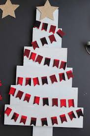 Add Plaid Flags To A Pallet Christmas Tree