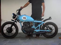 Honda Bobber - YouTube Bobber Through The Ages For The Ride British Or Metric Bobbers Category C3bc 2015 Chris D 1980 Kawasaki Kz750 Ltd Bobber Google Search Rides Pinterest 235 Best Bikes Images On Biking And Posts 49 Car Custom Motorcycles Bsa A10 Bsa A10 Plunger Project Goldie Best 25 Honda Ideas Houstons Retro White Guera Weda Walk Around Youtube Backyard Vlx Running Rebel 125 For Sale Enrico Ricco