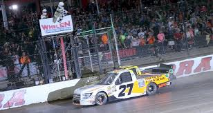 Chase Briscoe Digs In For Eldora Truck Win | MRN