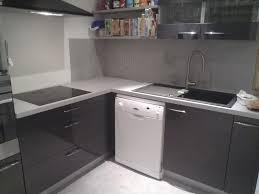 protege mur cuisine cuisine en bton cir top mortier credence cuisine beton cire blanc