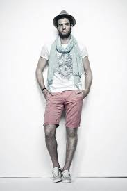Excellent Summer Outfits Styles For Men With Red Shorts And Scarf
